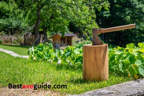 how to splitt wood with an ax